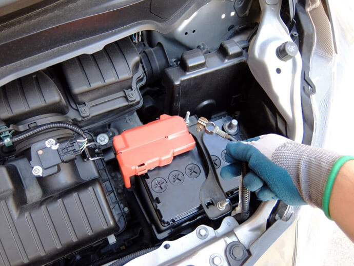 Since Gasoline Cars Have Only This Battery They Are Also Used To Start The Engine But Because Hybrid Do Not Use